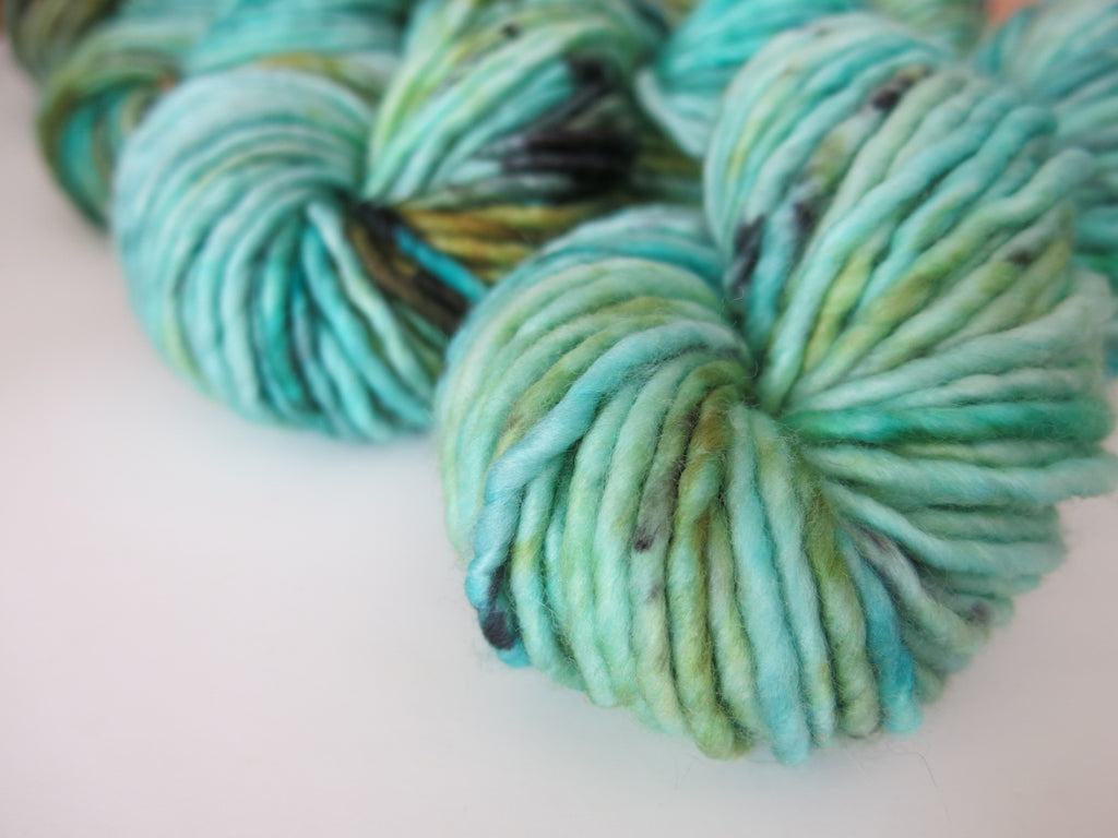 super chunky merino singles yarn in blue