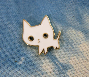 cute white cat with black eyes lapel pin for bags and shirts