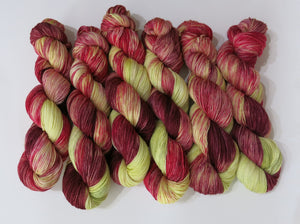 spagnum moss coloured sock yarn for knitting and crochet