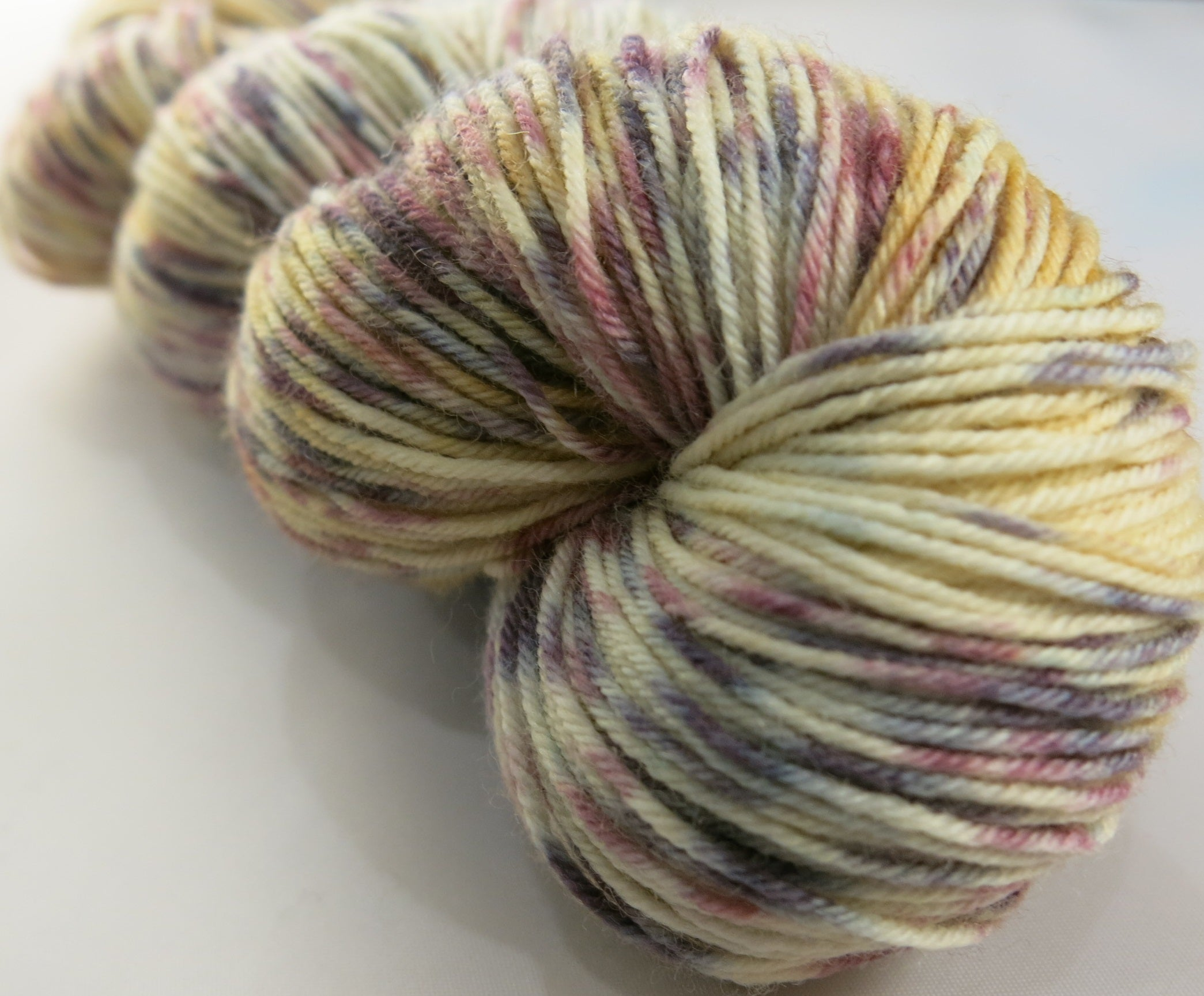hand dyed yarn inspired by alice in wonderland