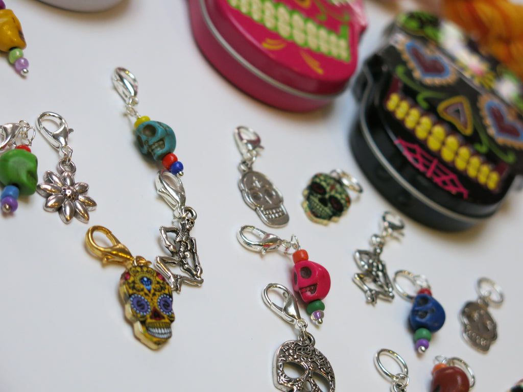 Day of the Dead sugar skull tin with skull stitch markers