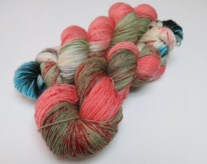undead themed yarn with speckles