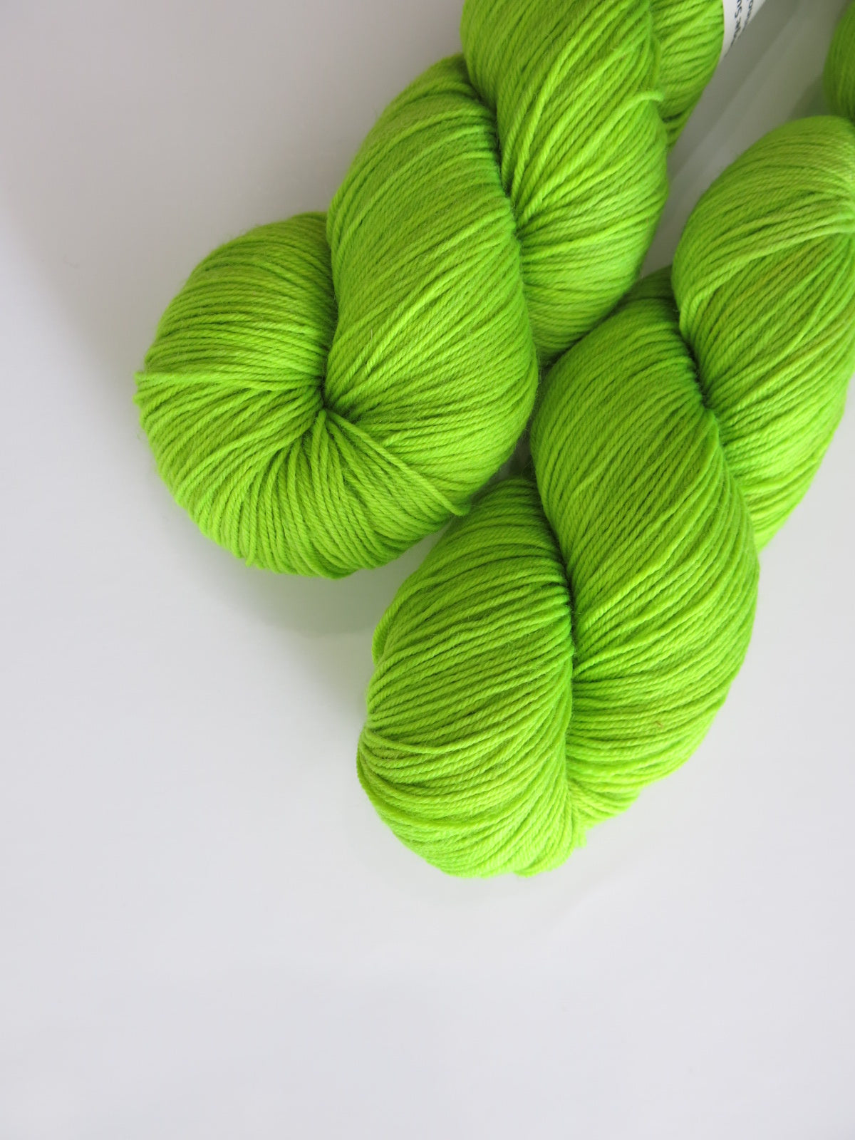 hand dyed neon fluorescent green yarn by my mama knits