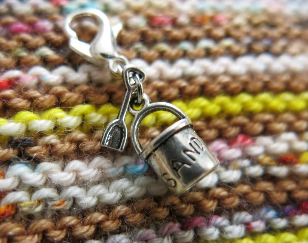 sand bucket and shovel charm for zippers and knitting