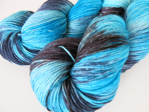 indie dyed sock yarn with nylon by my mama knits in bue