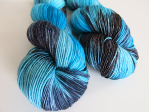 kettle dyed blue merino sock yarn for knitting and crochet