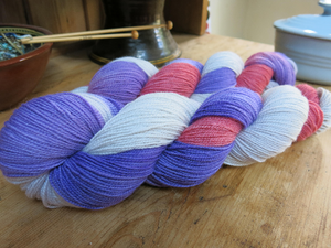 indie dyed merino sock yarn skiens with purple