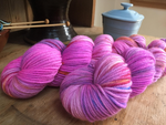 indie dyed merino wool in black light pink