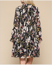 Load image into Gallery viewer, Floral Pleated Dress