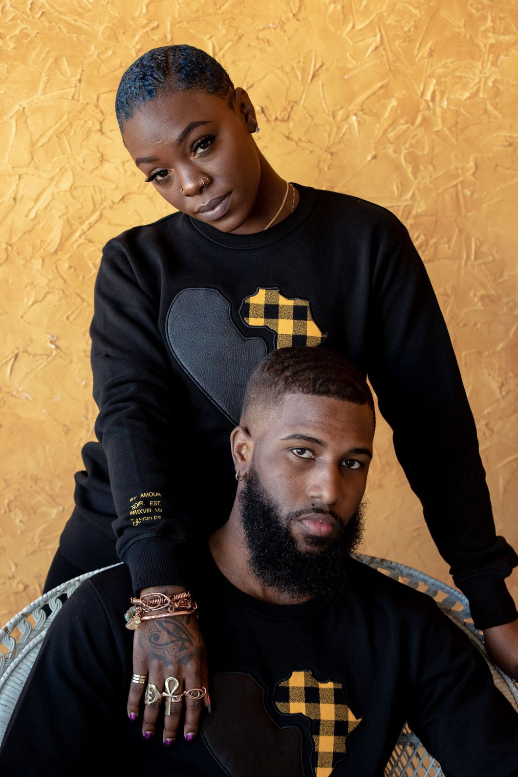 BLACK UNISEX PREMIUM SWEATER