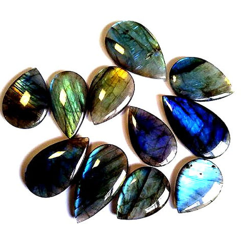 Crystal en labradorite naturel