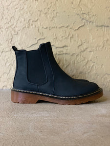 Black Boots W/ Gum Bottom