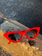 Load image into Gallery viewer, Red Cat Eye Vintage Sunglasses