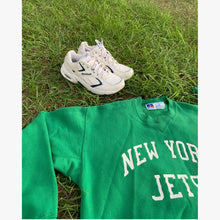 Load image into Gallery viewer, NEW YORK JETS 90's Vintage Sweatshirt
