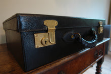 Beautiful E. Pinteaux & Cie Black leather Suitcase Circa 1920s