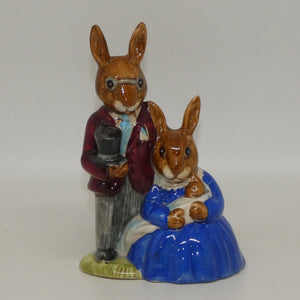 DB001 Royal Doulton Bunnykins Family Photograph