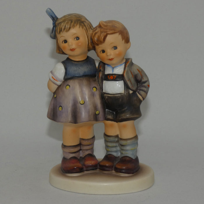 HUM0449 MI Hummel figure The Little Pair