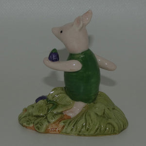 WP13 Royal Doulton Winnie the Pooh figure | Piglet picking the Violets