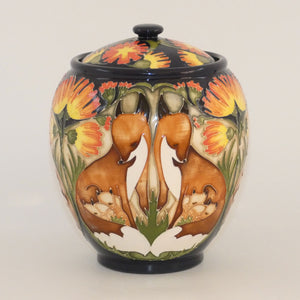 Moorcroft Fox and Cubs 401/5 lidded box (Ltd Ed)