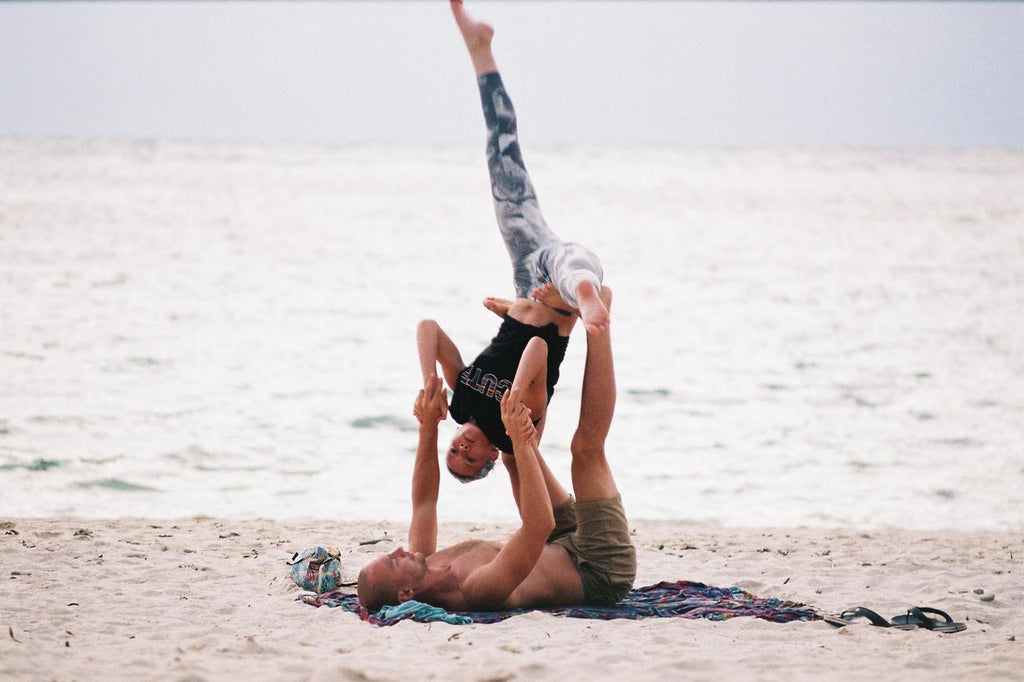 bienfaits yoga couple