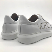 Load image into Gallery viewer, Canvass sneaker - White - VOTE