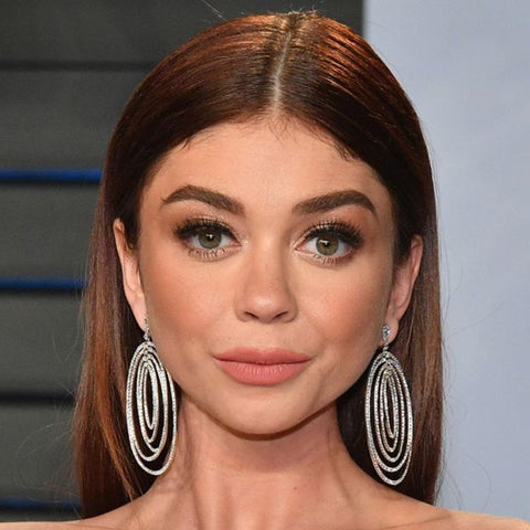sarah hyland hair style, hair cut for a heart shaped face, middle part hair styles, long hair, celebrity hair styles