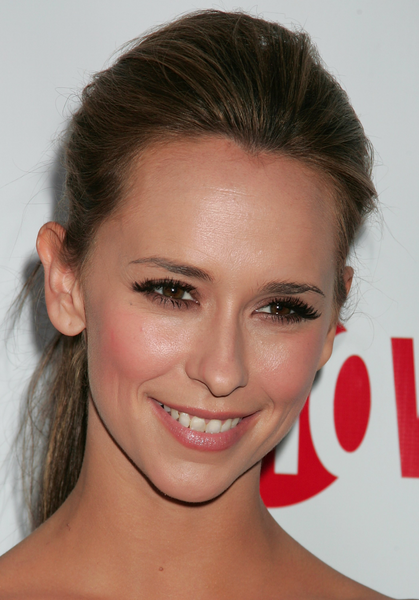 Jennifer love hewitt hair styles, best hair styles for a heart shaped face, Pony tail hair styles
