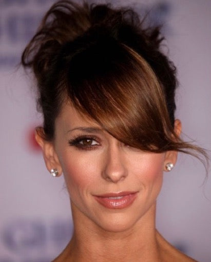 Jennifer love hewitt hair styles, best hair styles for a heart shaped face, side swept bangs, updo hair styles