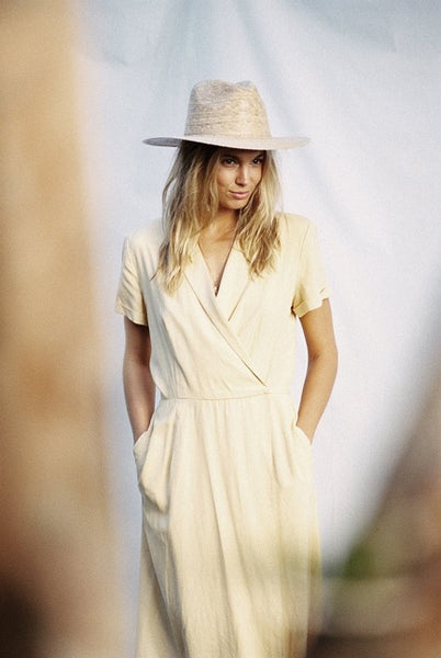 fedora style hat, lack of color, summer accessories