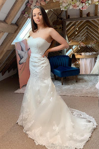 Lace fishtail wedding dress