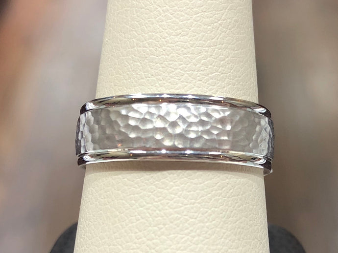 Men's 14k White Gold 7mm Hammered Carved Wedding Band - Q&T Jewelry