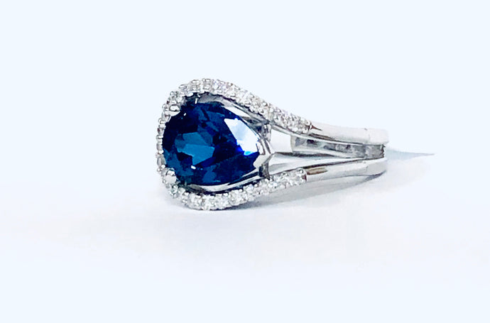 Ladies Blue Sapphire & Diamond  Ring - Q&T Jewelry