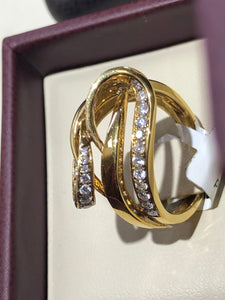 Women's Diamond Swirl Ring - Q&T Jewelry