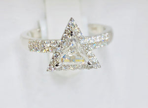14k  Triangle Engagement Ring - Q&T Jewelry