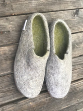 Load image into Gallery viewer, Classsic Slipper sizes 41to47
