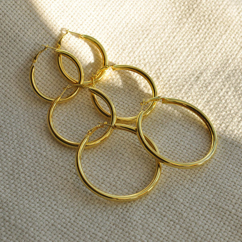 gold hoop earrings set