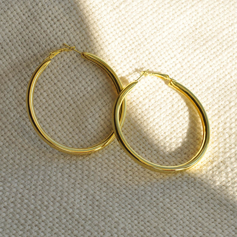 Meghan gold effect hoop earring set