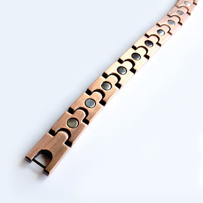Back of magnetic copper bracelet