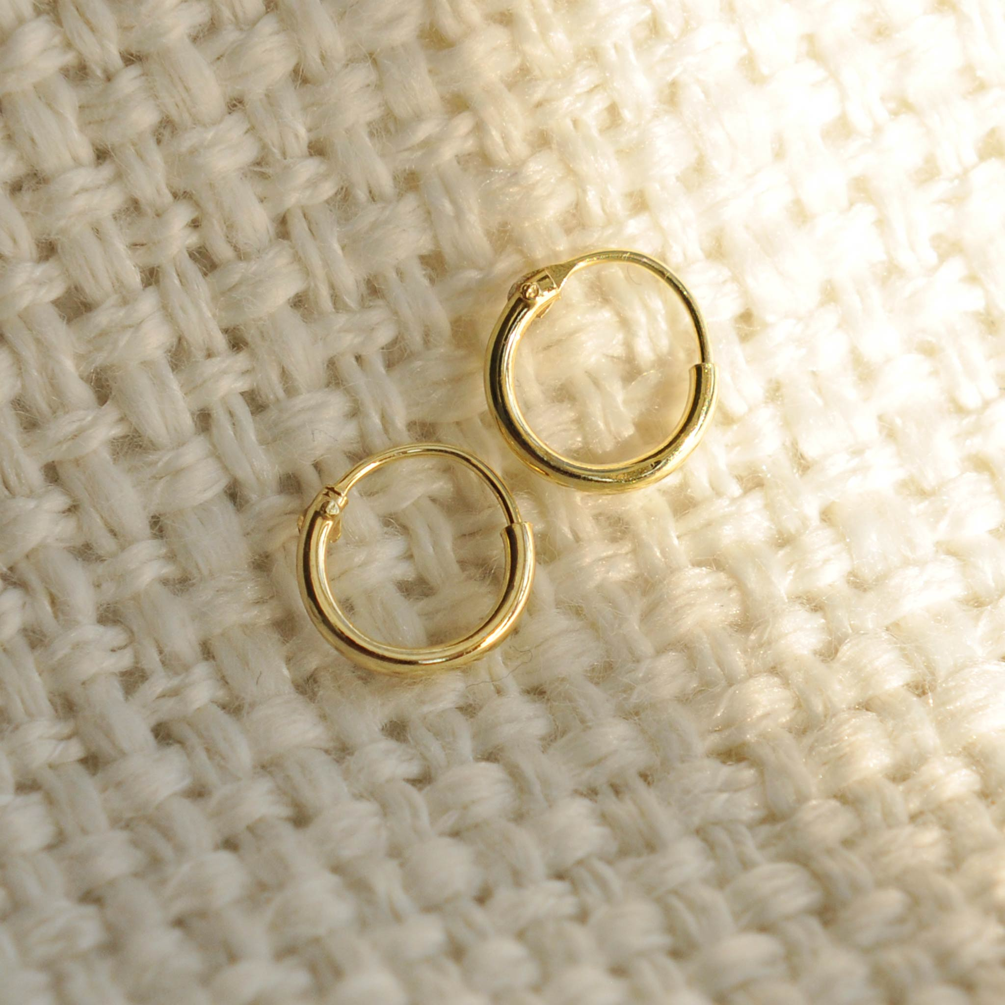 small 7mm gold hoop earrings