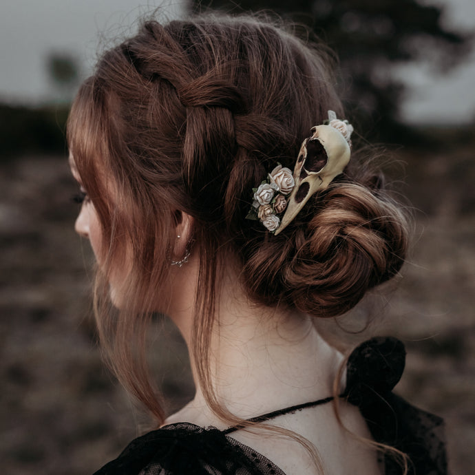 Crow skull with roses bridal hair comb