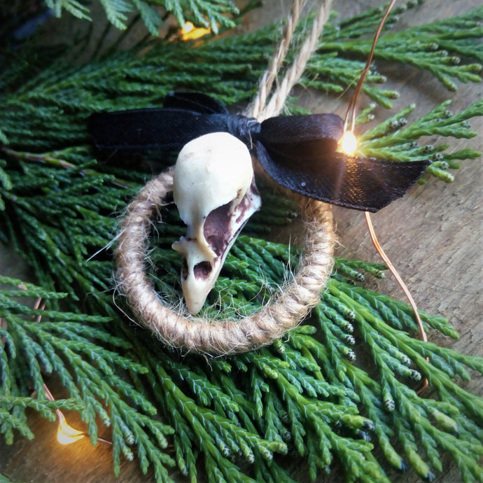 Mini bird skull wreath - goth holiday decoration