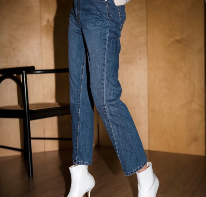 TWIST HIGH-RISE STRAIGHT JEANS, WASHED MID BLUE - Trendy Fox Boutique