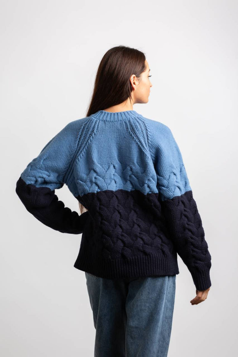 COLOR BLOCK KNITTED SWEATER, BLUE/NAVY - Trendy Fox Boutique