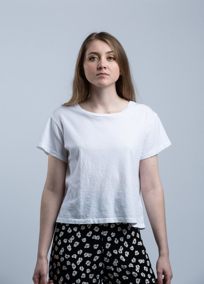 LNA<br>Essential Shaden Crew Neck Tee in White