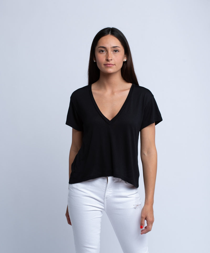 LNA<br>Essential Cotton Sparks V Neck