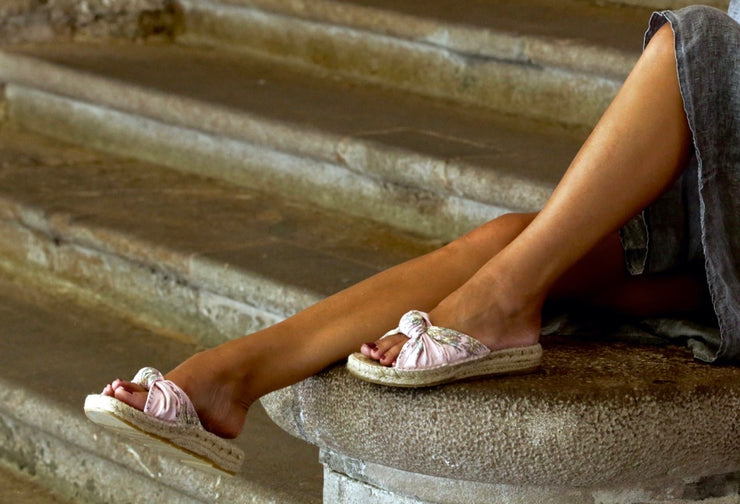 Sandal for Women in Pink Pedralbes | La Manual Alpargatera