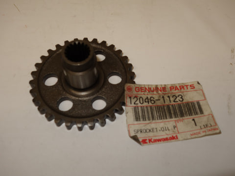 12046-1123 SPROCKET OIL PUMP 30T ZX750 ZX900B