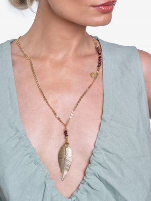 Gold Leaf Amor de Madre Gold Red Garnet Necklace