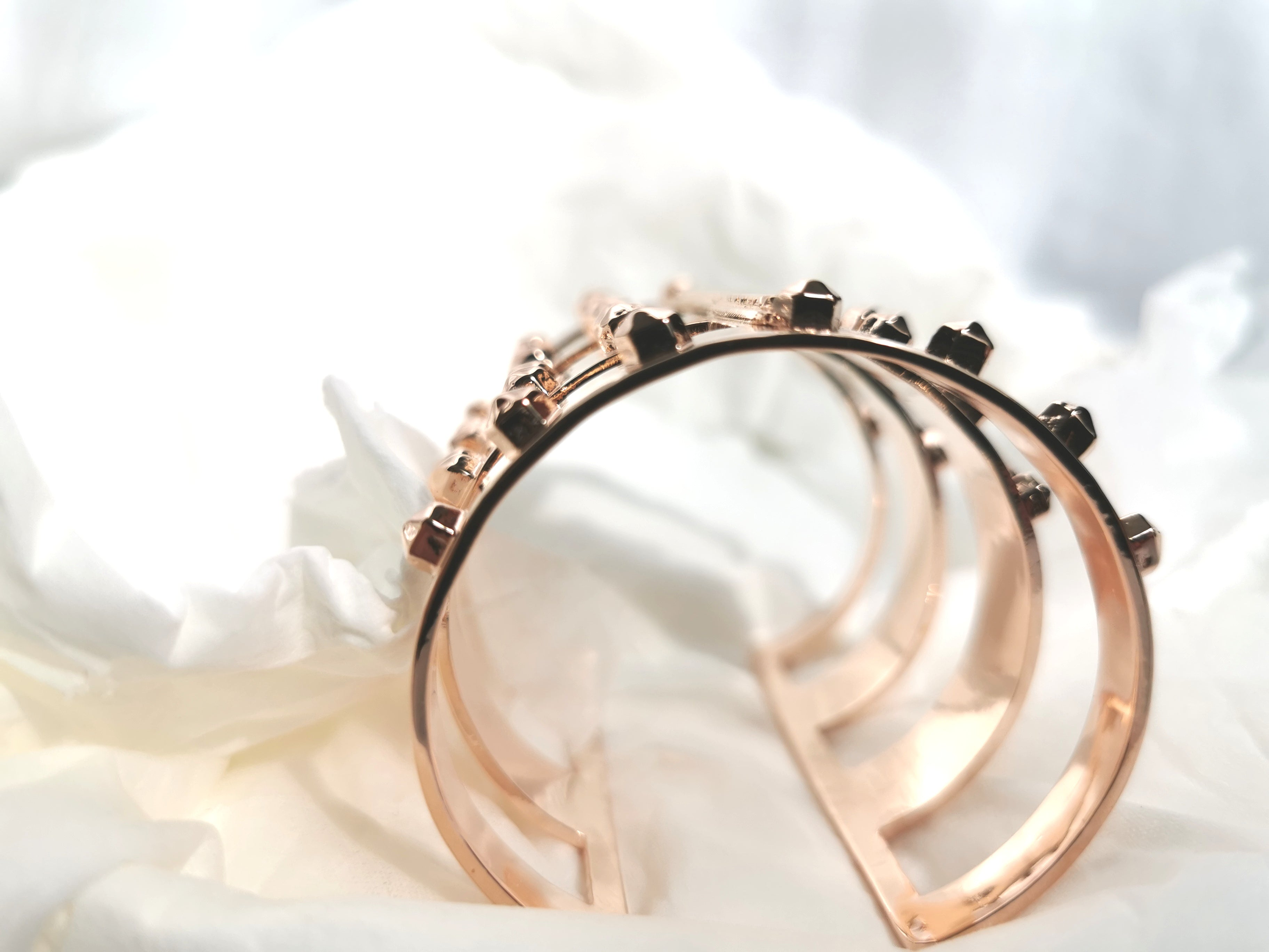 rose gold stylish sustainable jewelry women recycled materials