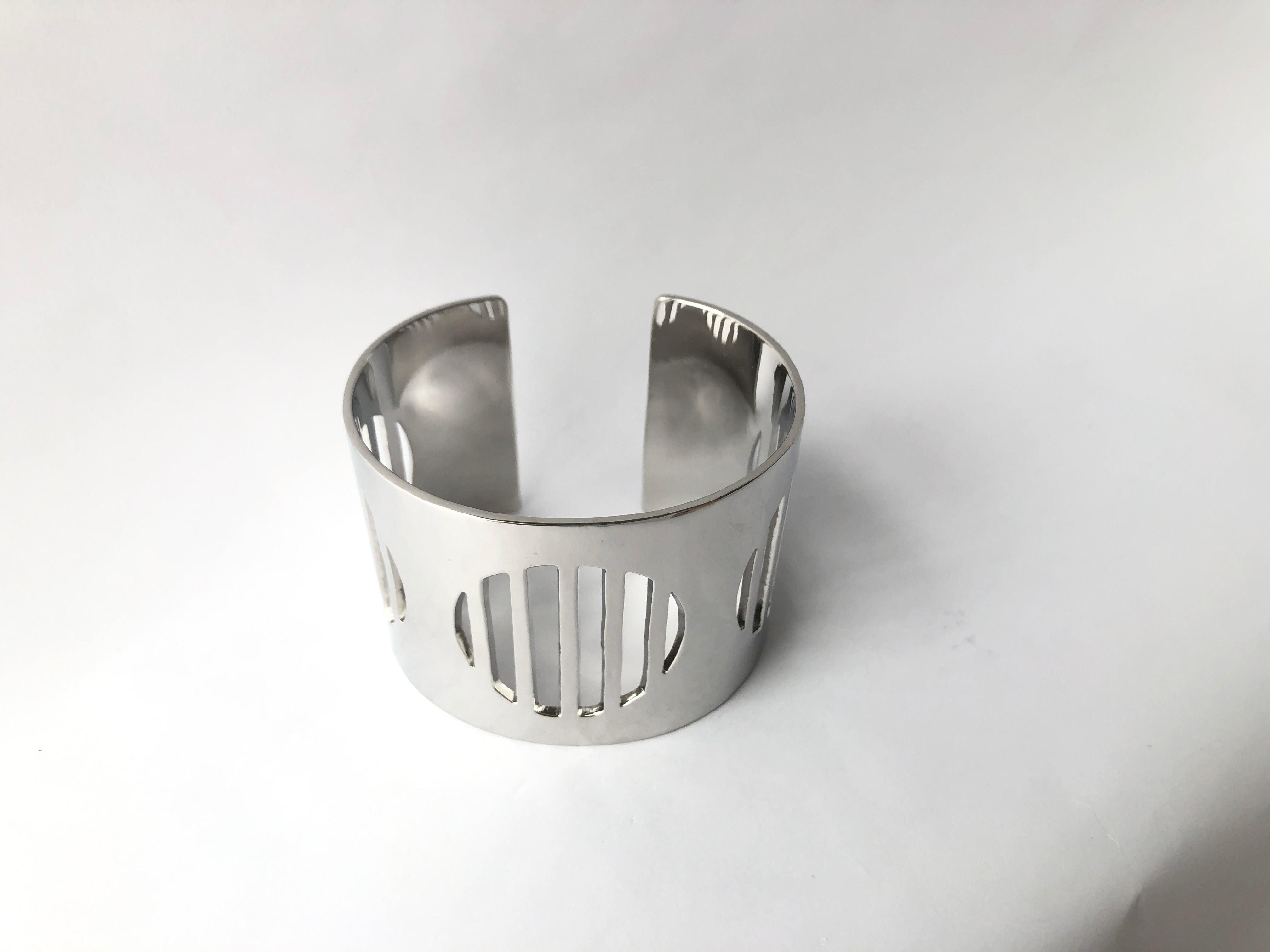 stylish silver sustainable jewellery recycled rings cuffs bracelets ethical accessories women